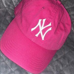 NWT NY YANKEE  Hat